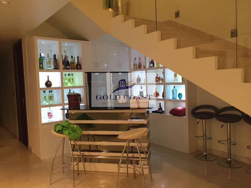 10 4BR Penthouse | Unfurnished | Sea view