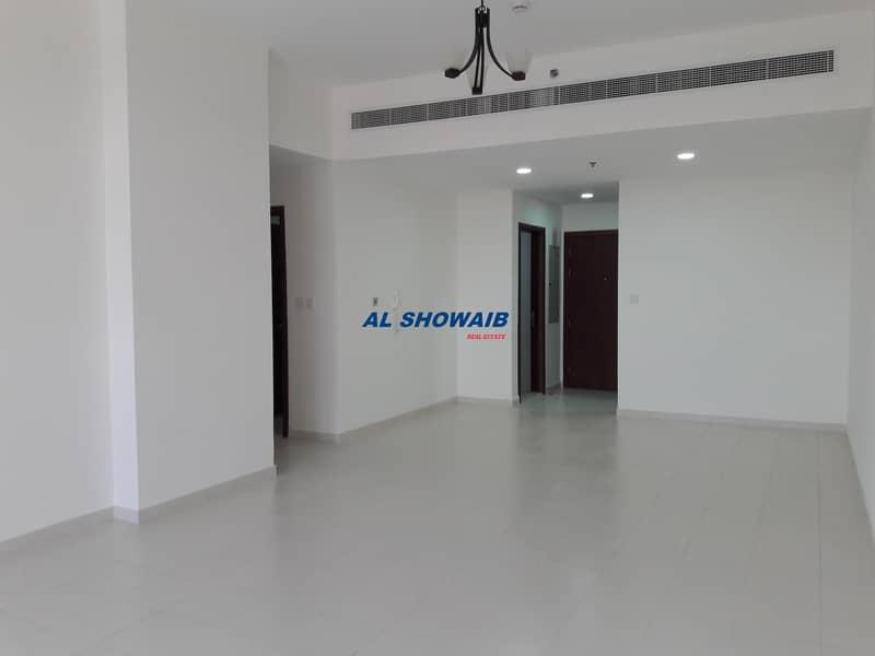 Spacious 3 Bhk available in Al Garhoud near welcare hospital