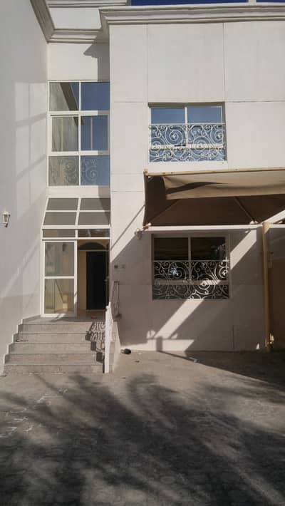 5 Bedroom Villa for Rent in Khalifa City A, Abu Dhabi - Gorgeous 5 Masters bedroom Villa in  in Compound in Khalifa City A. Only 170K.