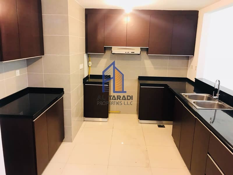 10 Spacious 1BR Apartment with Balcony with 1 month free