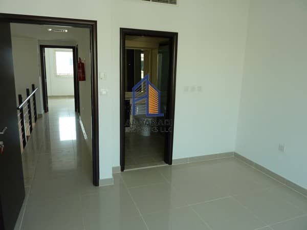 2 Single Row 2 Bedroom Villa Contemporary Available for Rent