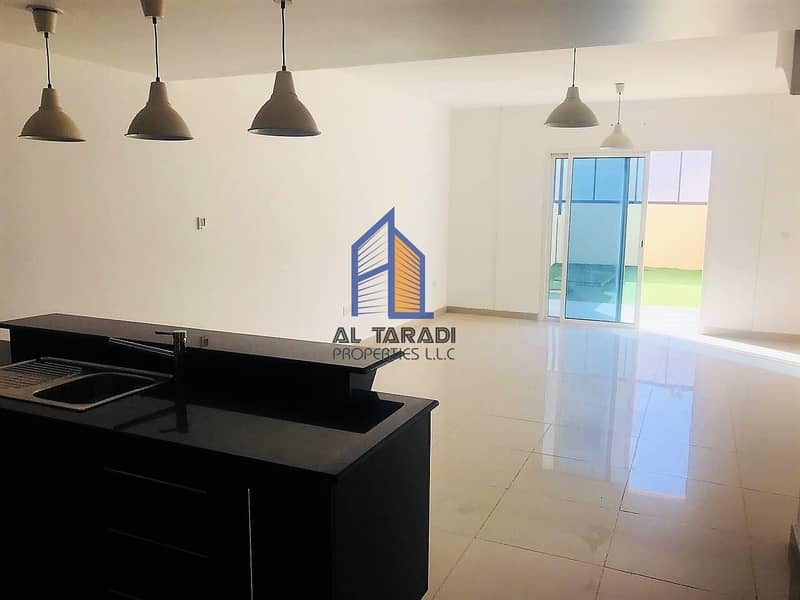 2 Hot Price!! 3 BR Villa Double Row Available for Rent