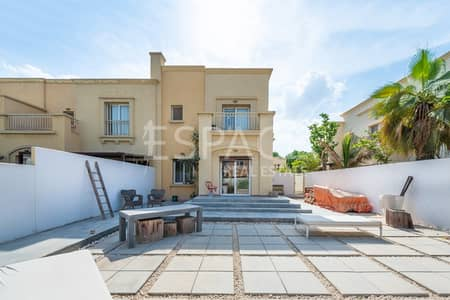 3 Bedroom Villa for Sale in The Springs, Dubai - Upgraded 3 Beds | Opposite Park and Pool