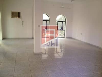 3 bedroom Hall Flat for Rent