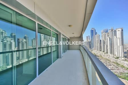 2 Bedroom Apartment for Rent in Downtown Dubai, Dubai - Spacious | Bright | Ready To Move In Now