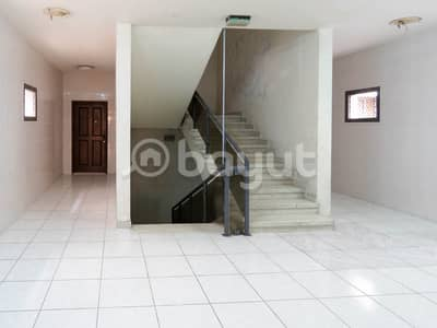 2 Bedroom Flat for Rent in Abu Shagara, Sharjah - Very huge 2BHK appartment with balcony and built in closet in Abu Shagra