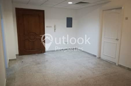 1 Bedroom Apartment for Rent in Hamdan Street, Abu Dhabi - HOTTTEST DEAL!1BHK+1BATH in HAMDAN ST!