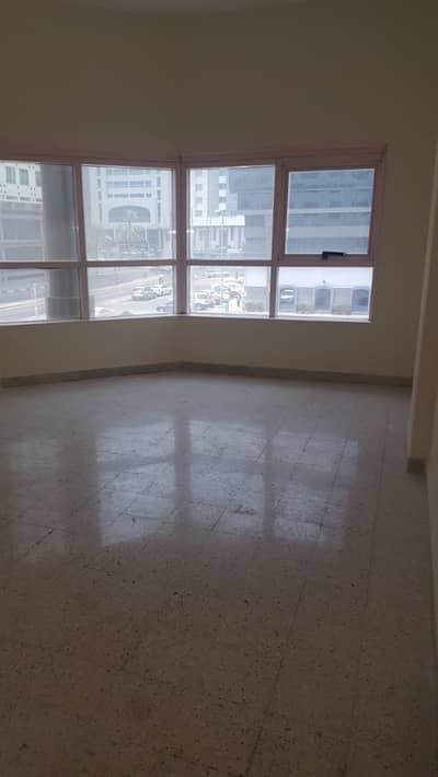 3 Bedroom Flat for Rent in Hamdan Street, Abu Dhabi - Best Deal Now , Spacious ! 3BHK Maidroom Balcony 90k 4payments Hamdan Street