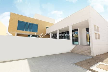 5 Bedroom Villa for Sale in Shakhbout City (Khalifa City B), Abu Dhabi - Up For Sale 3 Spacious Villas in Shakhbout