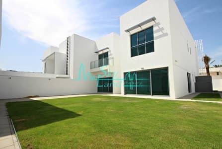 4 Bedroom Villa for Rent in Jumeirah, Dubai - Must See! Stunning Contemporary Corner Villa with Spacious Garden