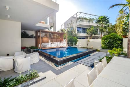 2 Bedroom Villa for Sale in Palm Jumeirah, Dubai - The Only Pool Villa in Five on For Sale