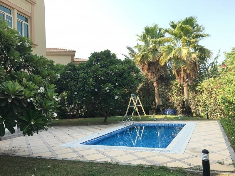 15 Well Maintained 4 Bed Villa