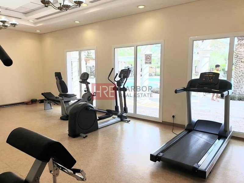 13 Large 3 bed apartment with maid's room