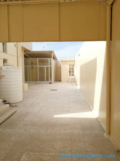 5 Bedroom Villa for Rent in Al Ghafia, Sharjah - Spacious 5 BHK villa with majlis, living dining, covd parking, lawn area in Ghaphia