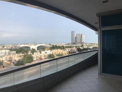 5 Bedroom Flat for Rent in Al Mina, Abu Dhabi - Bright apartment with sea view and balcony