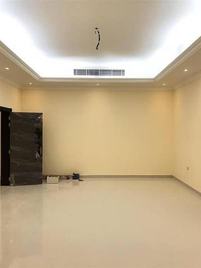 3 Bedroom Villa for Rent in Oud Al Muteena, Dubai - very nice villa for rent 3master bed at oud almoutina