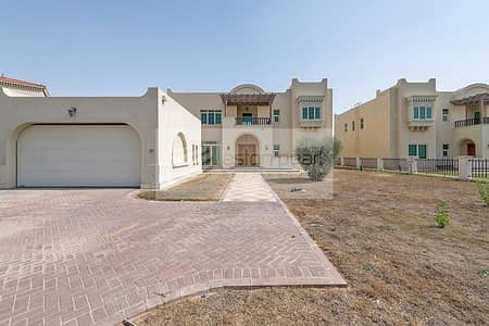 5 Bedroom Villa for Rent in Jumeirah Islands, Dubai - Close to the Club | Vacant | Master View