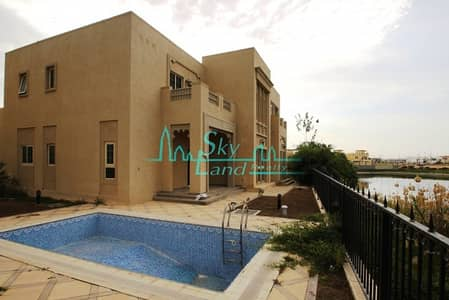 4 Bedroom Villa for Rent in Jumeirah Islands, Dubai - Spacious Bright 4+M with Stunning Views.