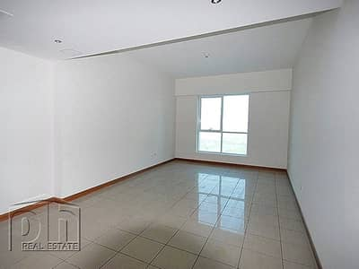 1 Bedroom Apartment for Rent in Dubai Marina, Dubai - Unobstructed 1BR. AC free. Great location