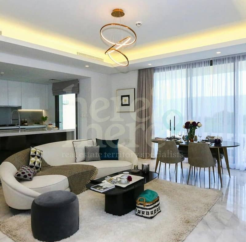 2 No Commission ! Luxurious 4BR Villa in Yas Acres