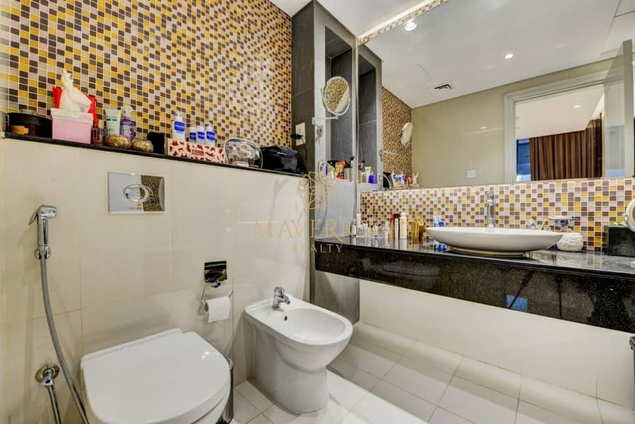 10 Furnished + Lavish 1BR | Near Dubai Mall