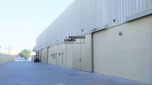 Warehouse for Rent in Al Quoz, Dubai - A WELL INSULATED HUGE STORAGE WAREHOUSE IN A CLEAN COMPOUND ON MAIN ROAD