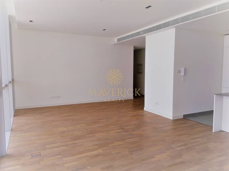 Modern and Bright 2BR+Maid/R   6 Cheques