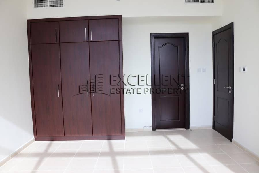 10 Live in a Dazzling and Homey 2 Master Bedroom Apartment