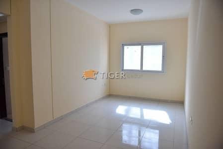 Studio for Rent in Al Nahda, Sharjah - Spacious Studio Flat for Rent in Al Nahda Sharjah near Dubai bus stop (RTA Metro