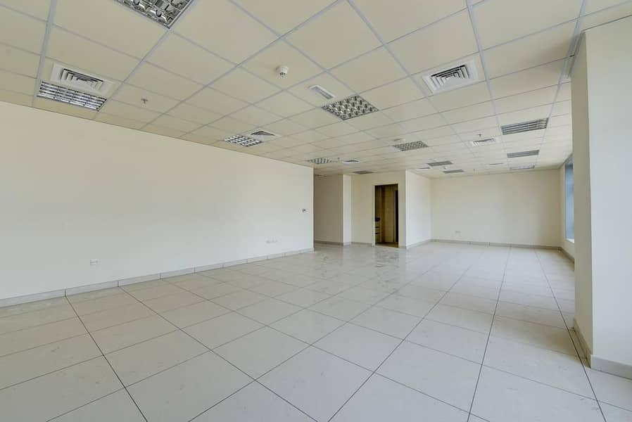 2 800 Sq.Ft Office with Central A/C | Sharjah
