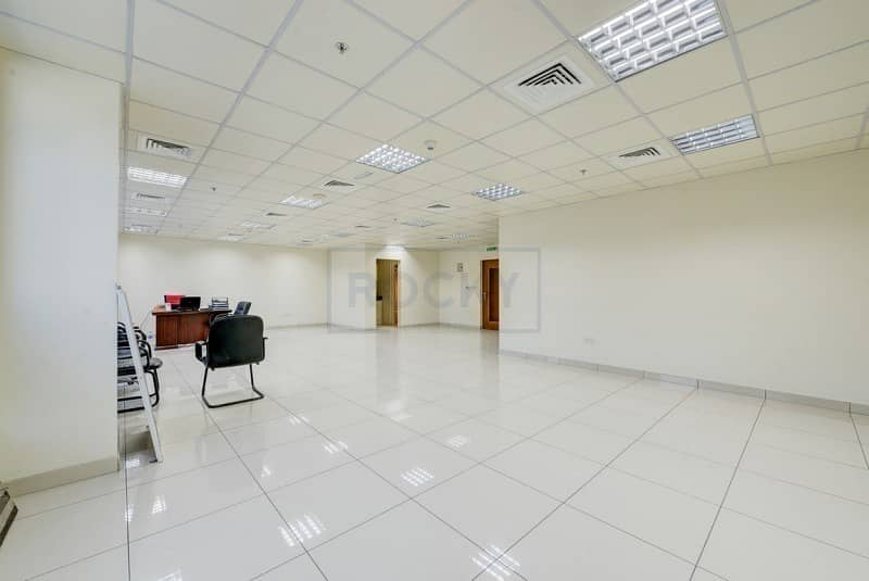 Spacious 950 Sq.Ft Office  Central A/C   Sharjah