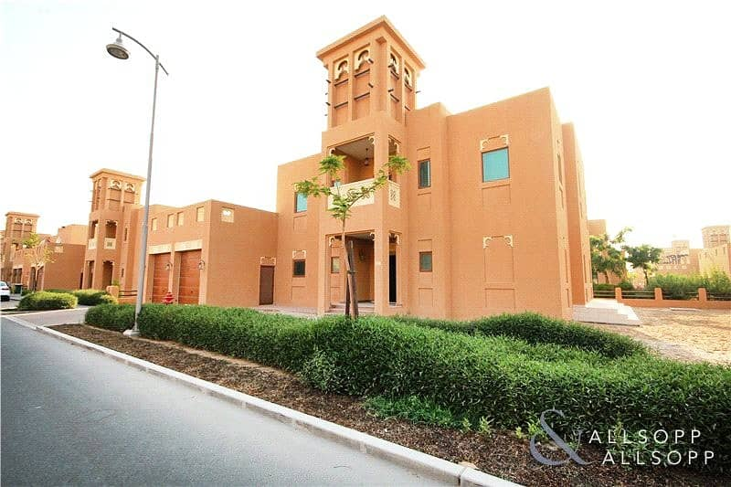 2 Dubai Style | Vacant | Maids Room | 5 Bed