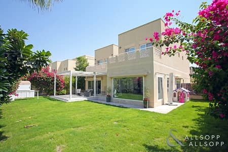4 Bedroom Villa for Sale in The Meadows, Dubai - Modern Upgrades | Corner Plot | Type 6