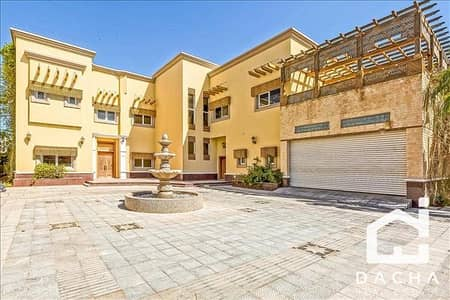 6 Bedroom Villa for Sale in Emirates Hills, Dubai - 6 bedroom / Lake Views / Vacant