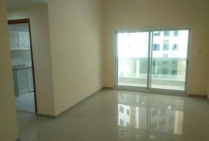 غرفة نوم واحدة جديدة وصالة نوم واحدة مع مطبخ مغلق للايجار في عجمان AIRA 22000 فقط