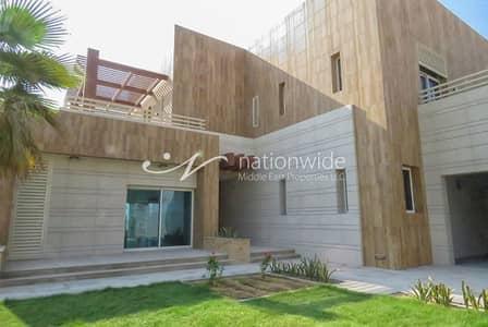 7 Bedroom Villa for Sale in The Marina, Abu Dhabi - Majestic Arabesque Villa w/ Private Pool
