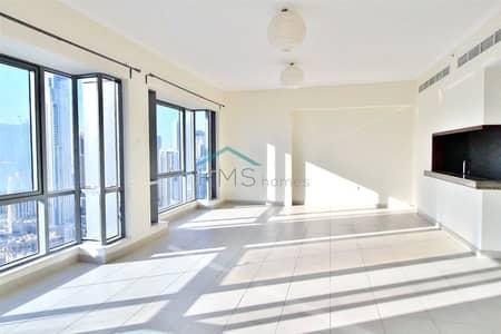 2 Bedroom Apartment for Rent in Downtown Dubai, Dubai - NEW LISTING|Spacious 2 bed|Partial Burj Views.