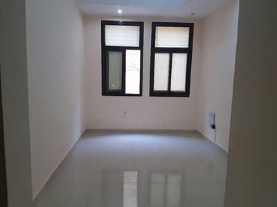 1 Bedroom Flat for Rent in Al Mushrif, Abu Dhabi - 1 bedroom flat with legal tatweeq no commission fee and parking with permit mwaqeef