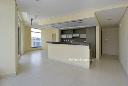 1 Bedroom Flat for Rent in Downtown Dubai, Dubai - Spacious Lounge | Balcony | En-suite