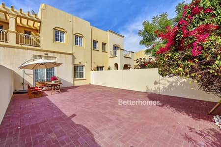 2 Bedroom Villa for Rent in The Springs, Dubai - immaculate furnished upgraded LAKE VIEW!