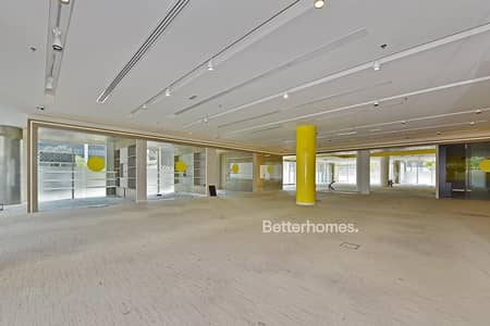 Shop for Rent in Downtown Dubai, Dubai - Retail Space in Emaar Square I Downtown