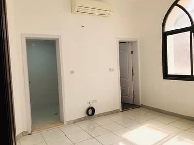 Studio for Rent in Al Maqtaa, Abu Dhabi - BRAND NEW STUDIO FOR RENT AT BAIN AL JISRAIN NEAR FAB BANK WITH PRIVATE PARKING AND WIFI
