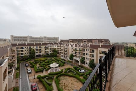3 Bedroom Flat for Rent in Motor City, Dubai - Storage Room in the Parking |Garden View