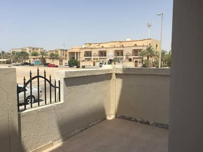 5 Bedroom Villa for Rent in Khalifa City A, Abu Dhabi - Charming Villa with ample parking for Rent