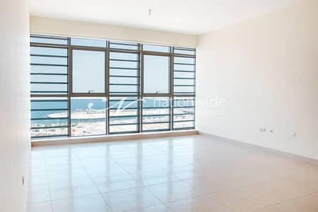 2 Bedroom Flat for Rent in Al Raha Beach, Abu Dhabi - Elegant 2BR Apartment w/ Spacious Layout