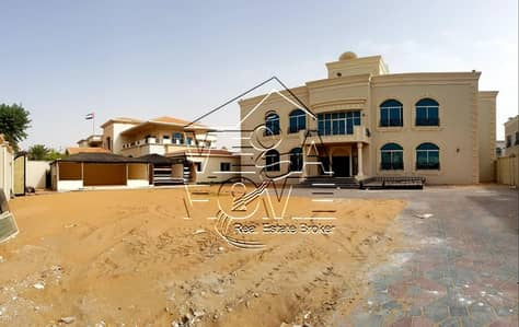 6 Bedroom Villa for Rent in Khalifa City A, Abu Dhabi - HUGE STAND-ALONE 6 MASTER BED VILLA W/KITCHEN AND BIG YARD