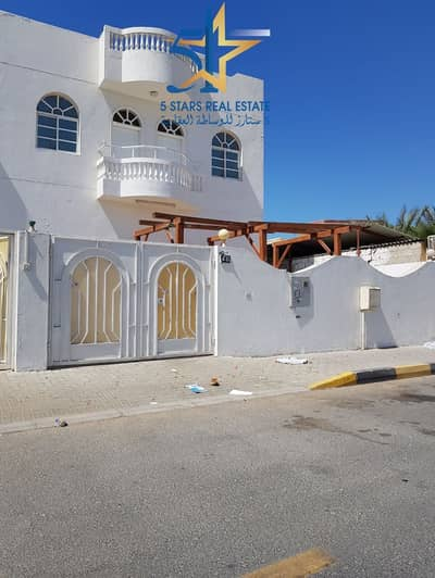 4 Bedroom Villa for Rent in Al Jazzat, Sharjah - G+1 4 Bed Villa in Jazzat with Central A/c for AED 65K