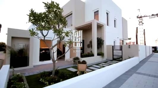 3 Bedroom Villa for Sale in Town Square, Dubai - CHANCE LUXURY  VILLA 3 BEDROOM TOWNHOUSE  AMAZING PRICE
