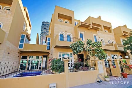 4 Bedroom Townhouse for Sale in Jumeirah Village Circle (JVC), Dubai - Vacant On Transfer | Roof Terrace | 4 Bed