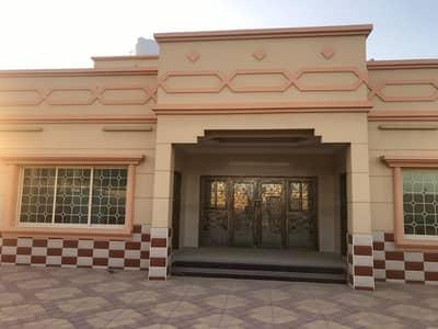 4 Bedroom Villa for Sale in Al Jurf, Ajman - New villa Brand New in the al jurf for cheap sale